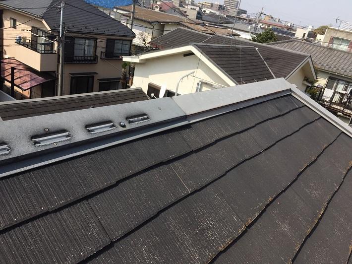 世田谷区砧にて屋根の点検、コロニアルNEOに形は似ておりますが…