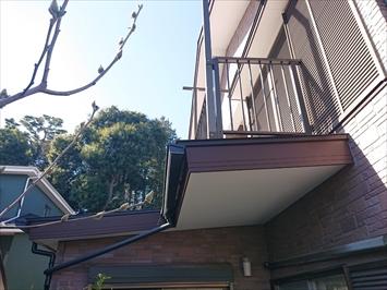 塗装する1階の屋根
