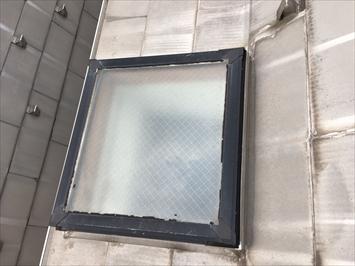 目黒区碑文谷にて天窓からの雨漏り調査、天窓は雨漏りを起こしやすい部材です。