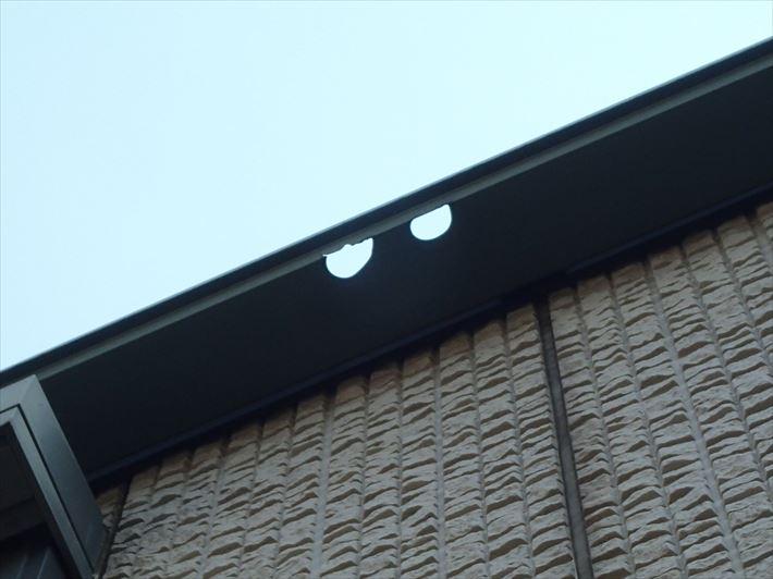 荒川区町屋の雹で穴が開いたと思われる雨樋の調査に伺いました