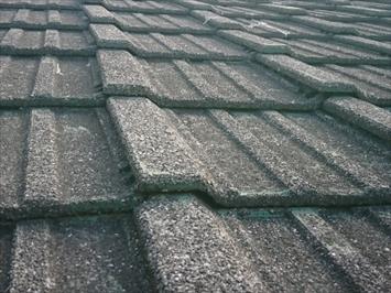 杉並区下高井戸にて調査した屋根にはセメント瓦が使われておりました