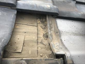 葛飾区東新小岩で瓦屋根の点検調査、メンテナンスが必要な状況です