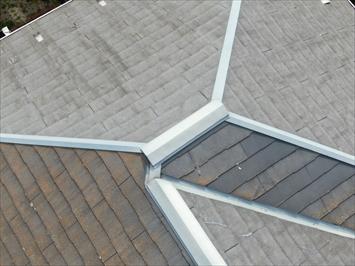 欠けた屋根材