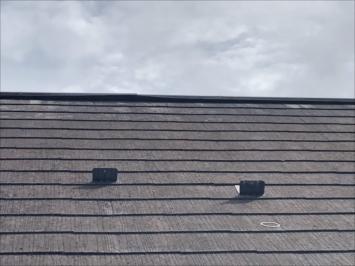 世田谷区弦巻で棟板金の浮きを指摘された屋根を調査しました