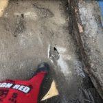 防水紙の穴