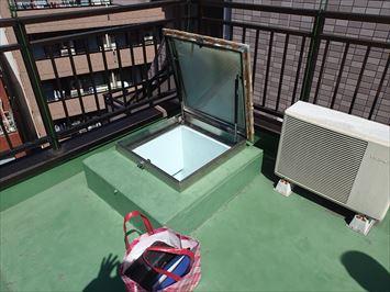 豊島区南大塚で屋上ハッチのドーム型カバーの交換調査に伺いました