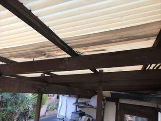 木製下地の波板屋根