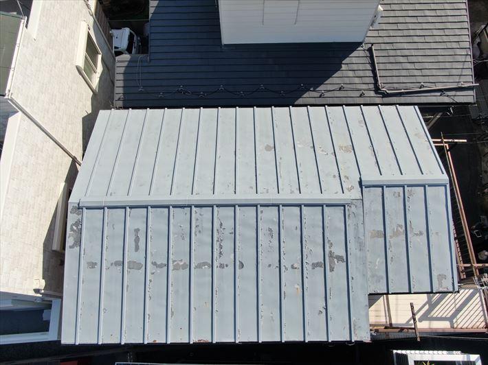 足立区中央本町で瓦棒屋根のメンテナンス調査に伺いました