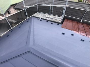 施工後のスーパーガルテクトの屋根