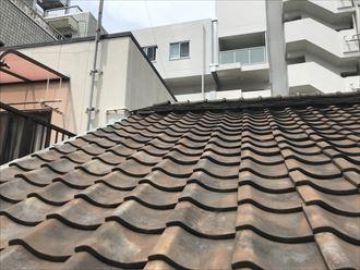 屋根頂上からの落下は危険