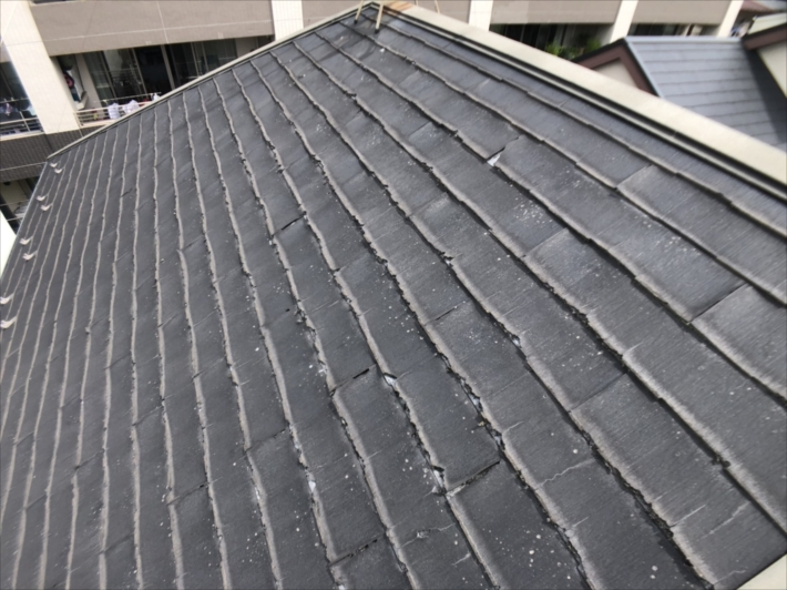 パミールで葺かれた屋根