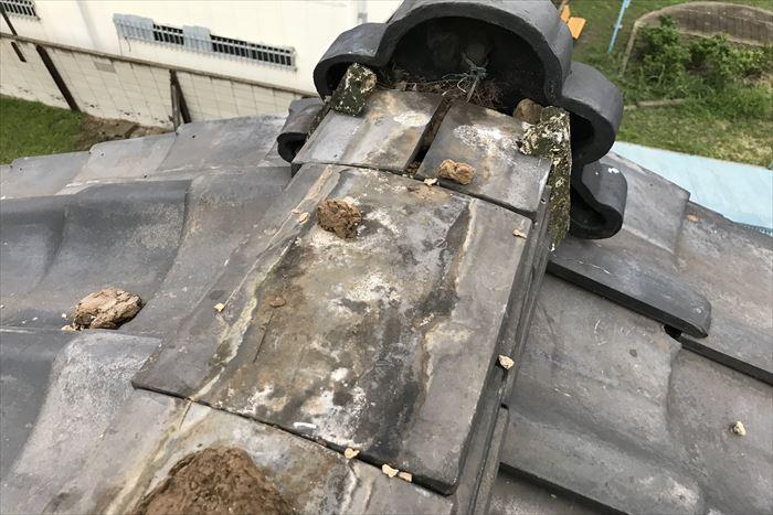 棟瓦の損壊が発生