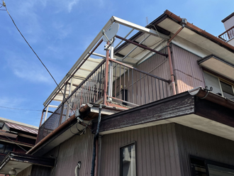 ベランダの屋根が破損し補修をご検討されたお客様邸
