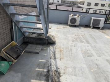 劣化した屋上防水