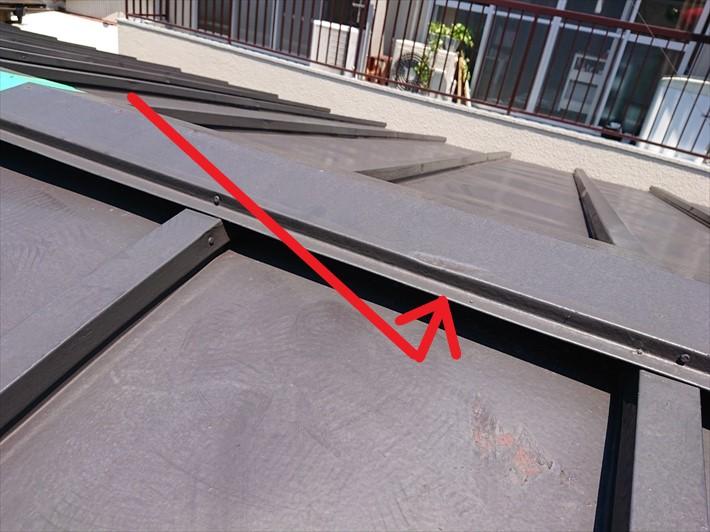 品川区小山で雨で貫板が劣化してた棟板金は交換工事が必要です