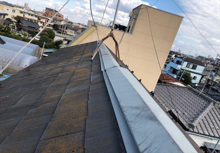棟板金に異変の見られたスレート屋根