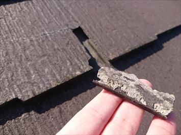 調布市飛田給でヒビ割れが進んだコロニアルNEOは屋根カバー工事をおこないます