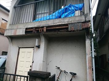 モルタルが脱落した外壁