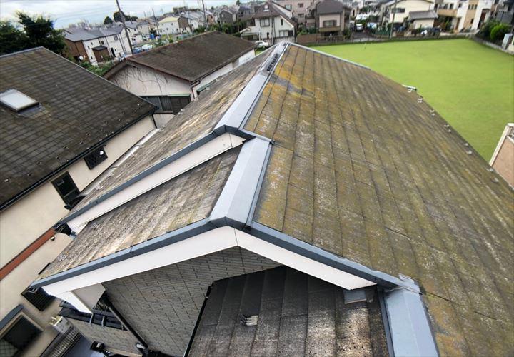割れやすい特徴を持つレサスのスレート屋根